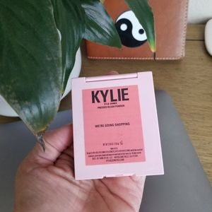 Kylie Cosmetics Makeup - KYLIE BLUSH WE ARE GOING SHOPPING